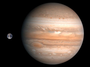 Jupiter_Earth_Comparison
