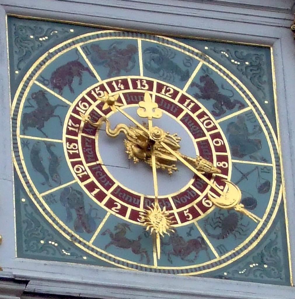 Sonne im Steinbock: Jetzt herrscht Saturn.Esslinger Rathausuhr. ©beast666