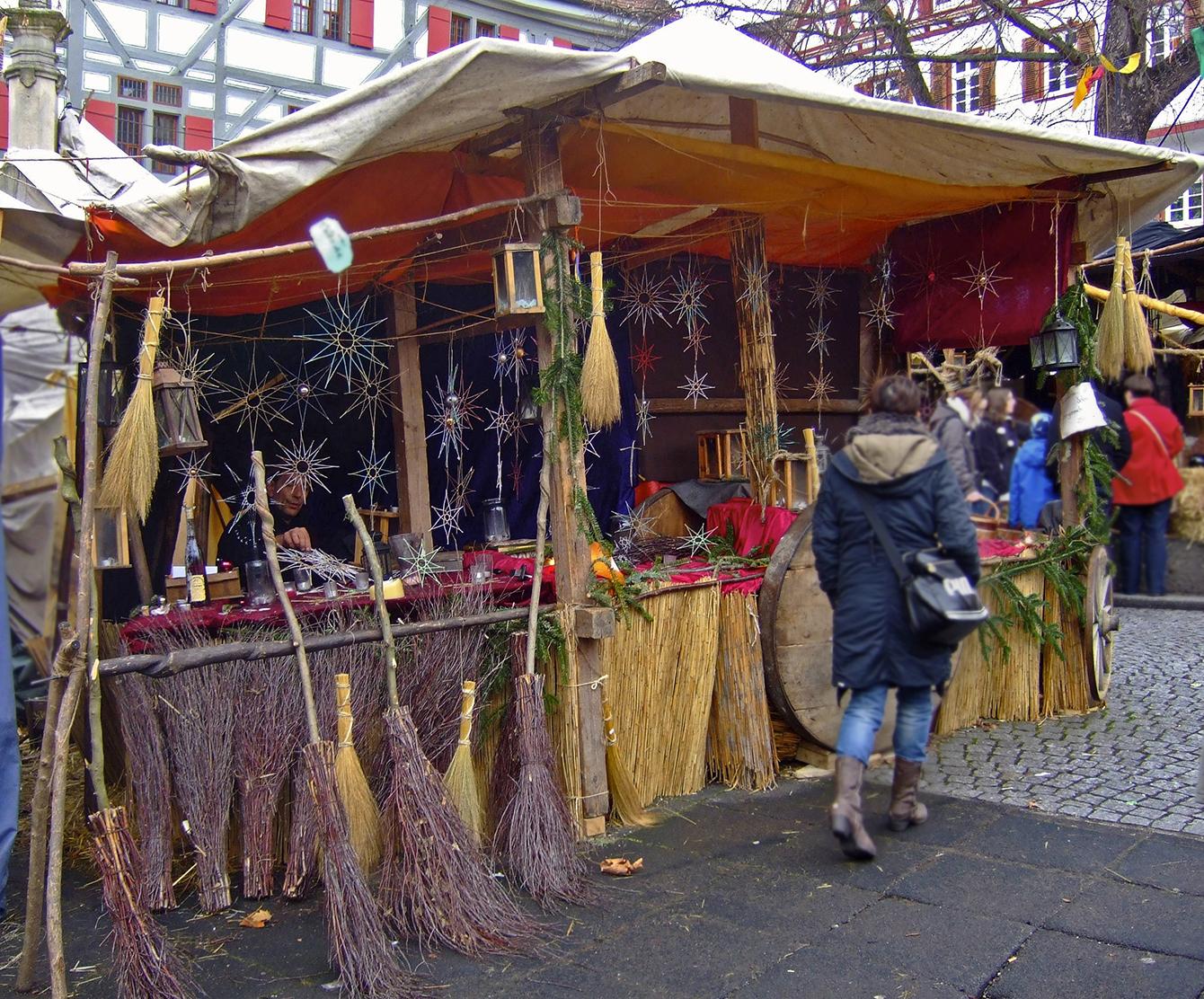 Beste Besen - vom Esslinger Mittelaltermarkt