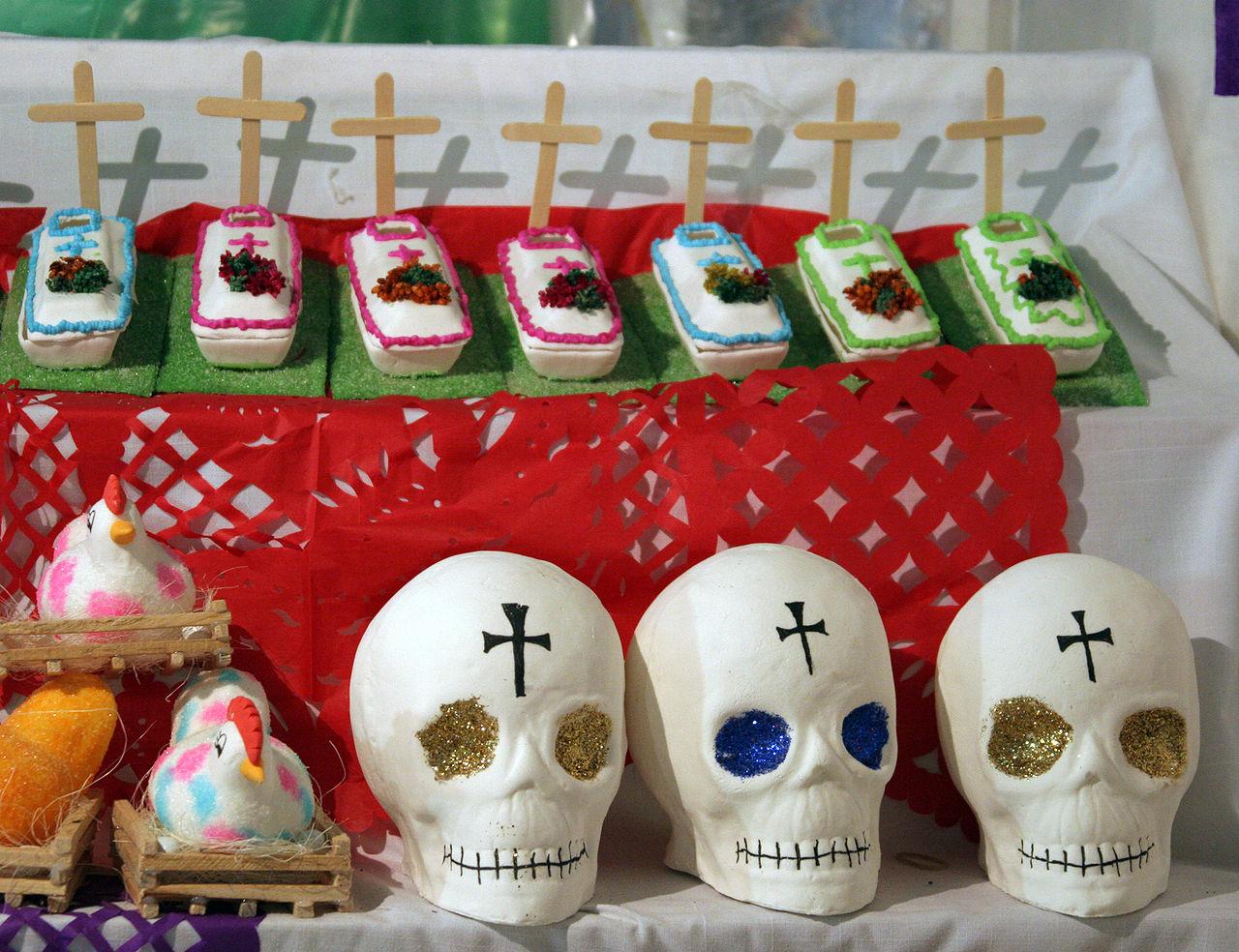 Süsser Tod: Zuckerfiguren f ür dia de las muertos.Sie ersetzen die einstigen Schädelgestelle.