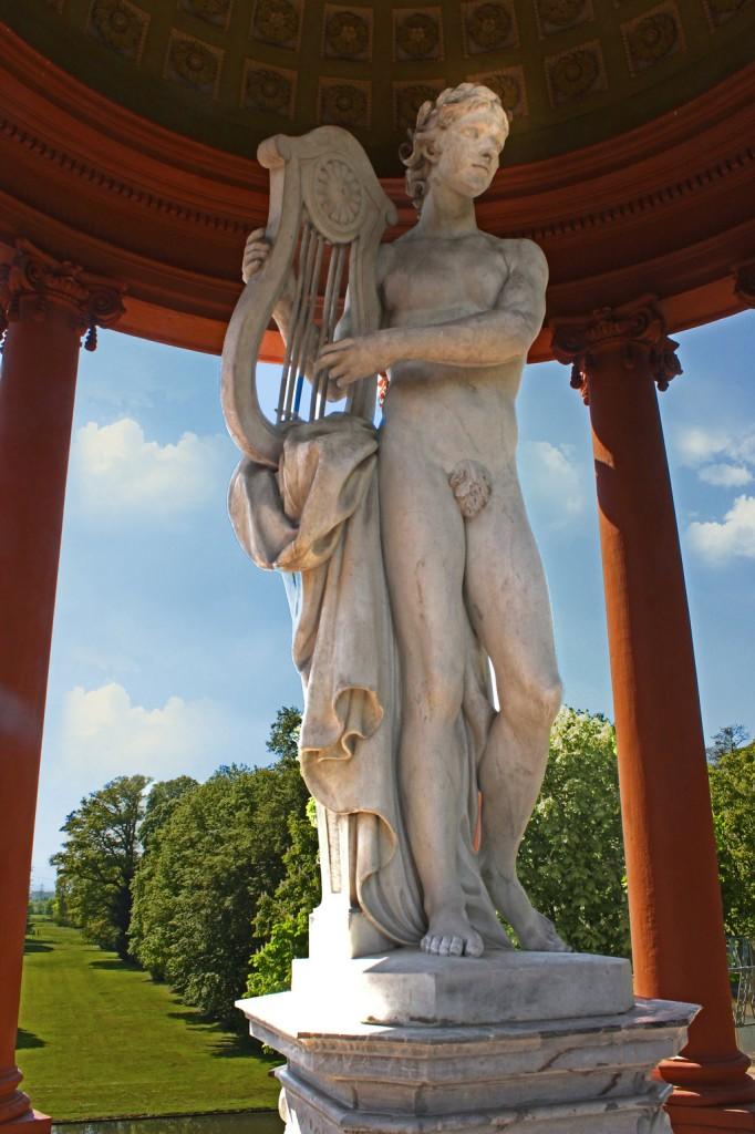 Apollon, solarer Archetyp und Heiler der Antike.Schwetzingen Apollontempel 2015