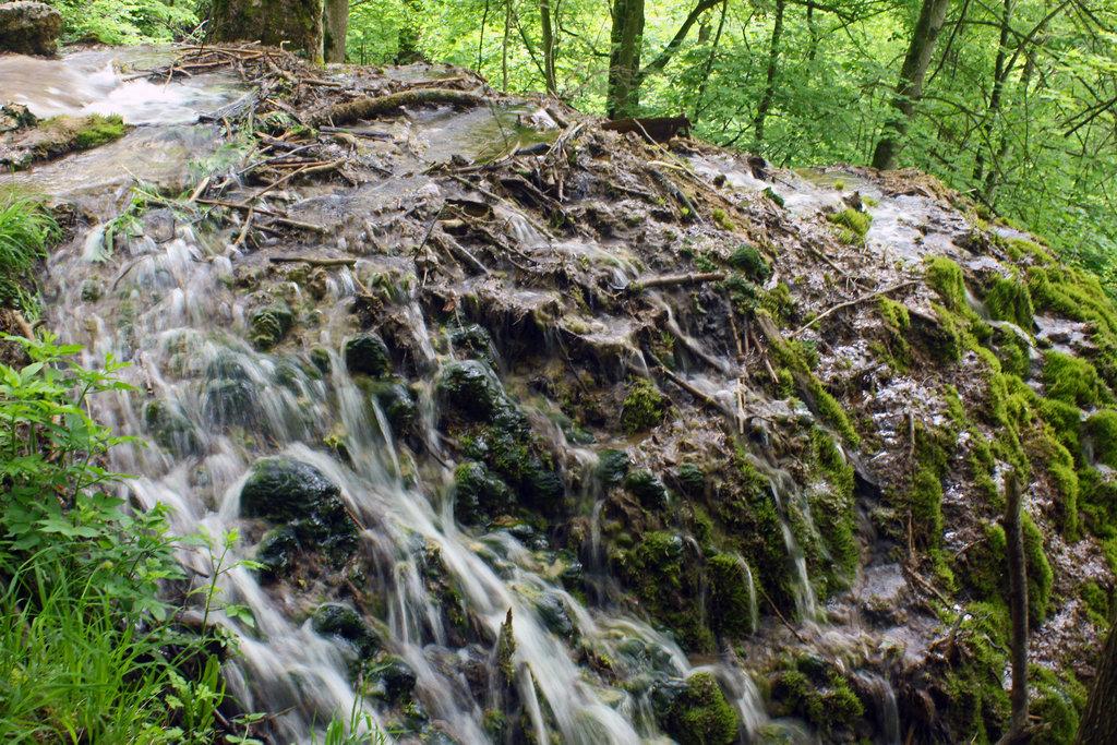 Magisches Wasser - es zieht den Menschen in seinen Bann. Quell allen Lebens - und wie gehen wir damit um!